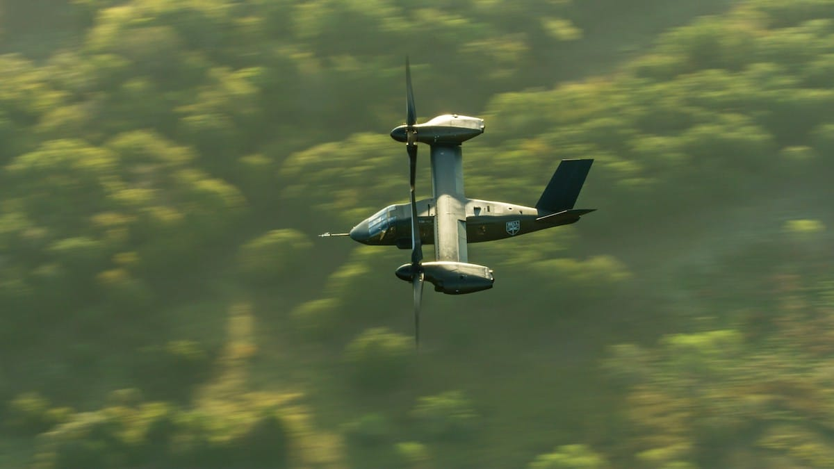 Bell V-280 Valor in flight. The Bell V-280 is Bell's entry to the U.S. Army's Future Long Range Assault Aircraft (FLRAA) and Future Vertical Lift (FVL) competition.