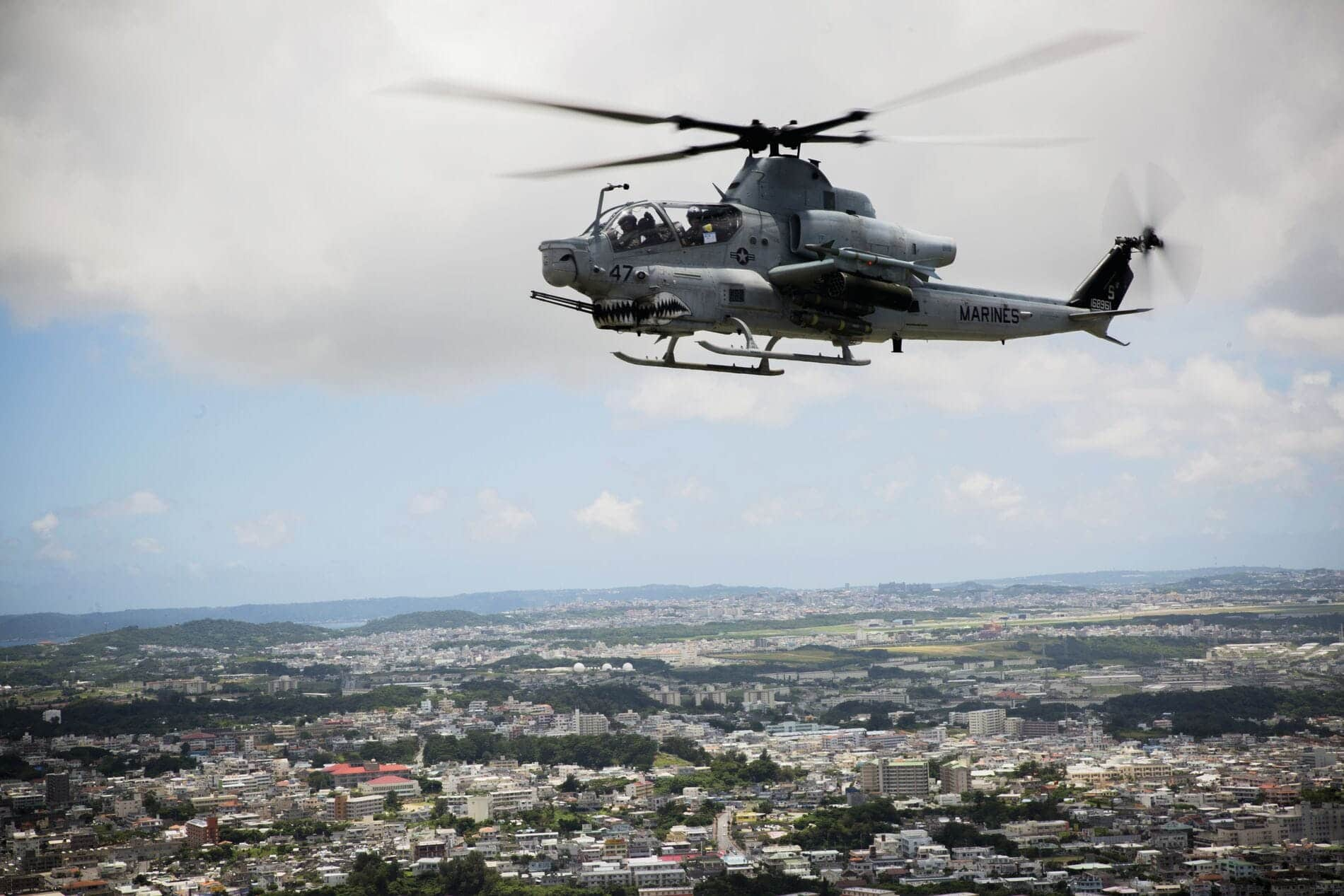 Bell AH-1Z - Attack and Reconnaissance Helicopter Engineered