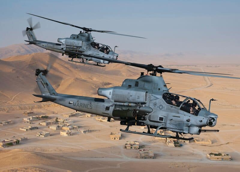 Bell AH-1Z - Attack and Reconnaissance Helicopter Engineered for the  Extreme.